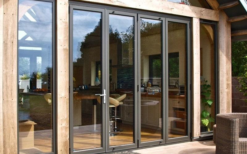 Выполняем легкие, изящные и экономичные раздвижные окна, двери, а также перегородки. Подбираем оптимальные решения для террас, офисов, объектов с повышенной проходимостью.